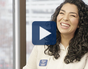 Watch our personal checking expert Deysi share how her team helps customers choose the right type of account in this video.