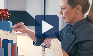 Watch expert cake decorators Bronwen Weber and Rocio Urbina share how they tastefully balance art with science in this video.